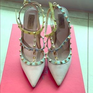 Valentino heels in ok condition